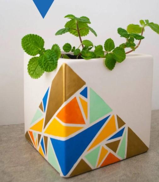 Geometric Painted Pots Easy DIY Idea